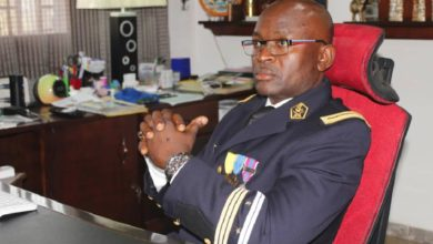 Le Colonel Serge Atonfack dans son bureau