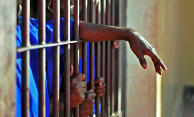 Des prisonniers enfermés